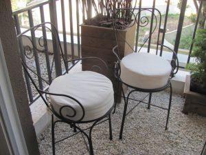 1-Cadeira em ferro com braço e encosto de coração R$ 465,00