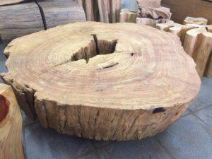 Mesa em tronco de bolacha com 1,05 de diametro